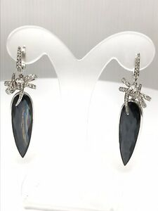 Boucles-d-039-oreilles-en-or-blanc-18-carats-diamants-et-pierres-fines