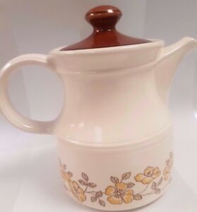 Biltons-Teapot-White-with-Yellow-Flowers-Teapot