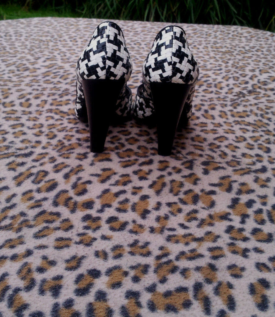 Emanuela Passeri black and Toe white high heeled Peep Toe and shoes UK size 4 EU 37 b6d06d