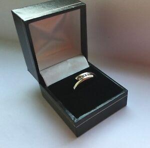 9ct-oro-blanco-y-cinco-Cruz-de-Diamantes-sobre-anillo-completo-distintivos-Talla-M