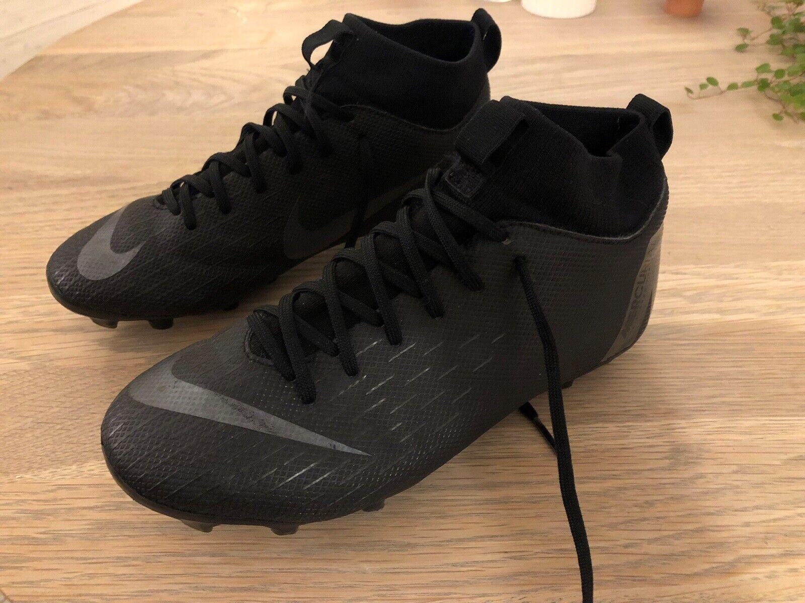 Fodboldstøvler, Støvler til