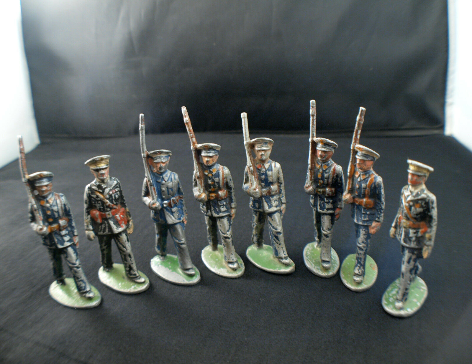 Quiralu Lot de 8 Soldados Aviation Aviadores Al Desfile Metal Antiguo