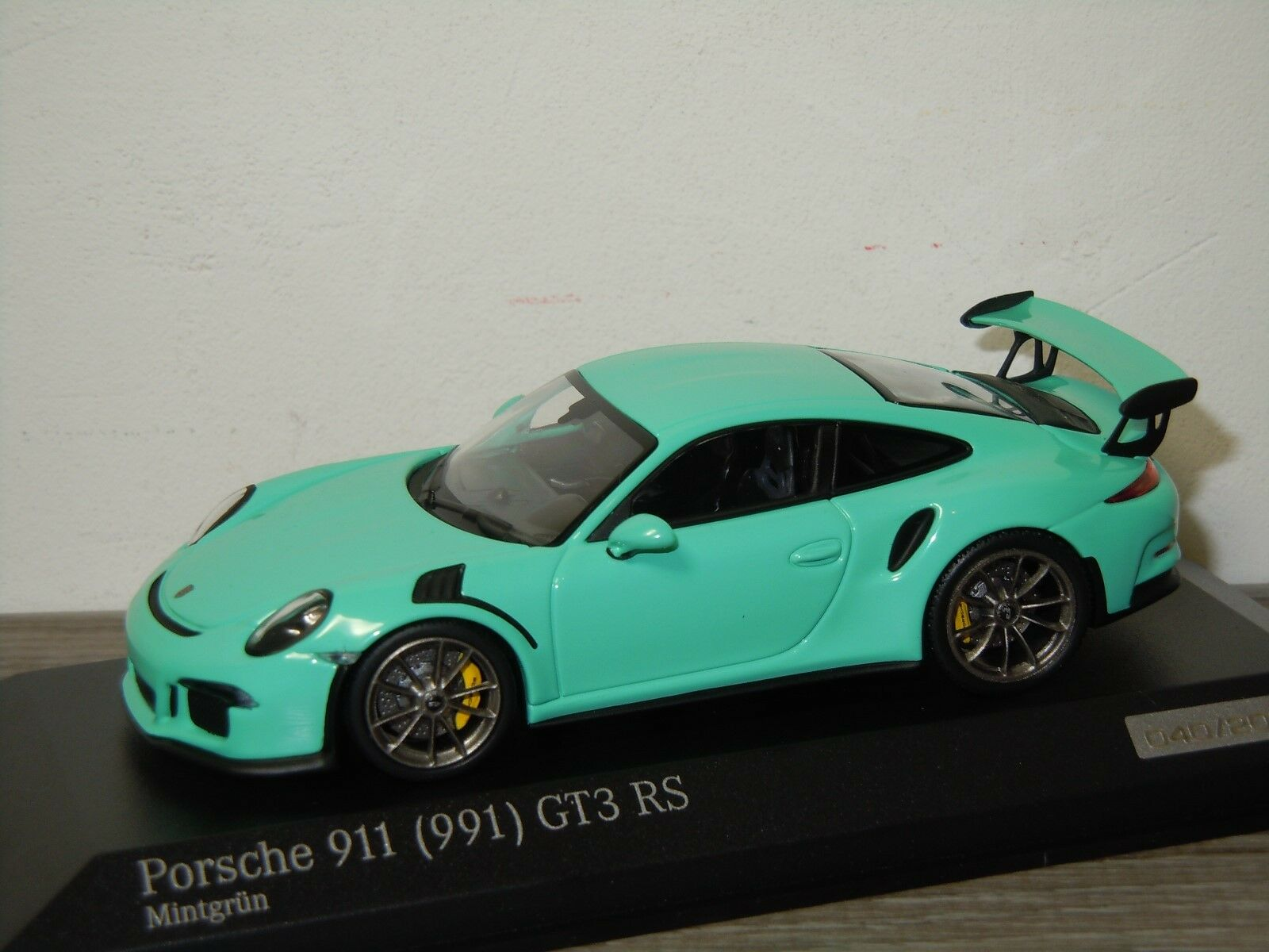 Porsche 911 991 GT3 RS - Minichamps 1 43 in Box 30568