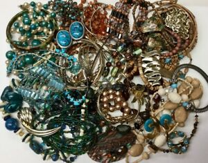 BLUE-TURQUOISE-BROWN-RUST-WEARABLE-JEWELRY-NECKLACES-BRACELETS-BROOCHES-EARRINGS