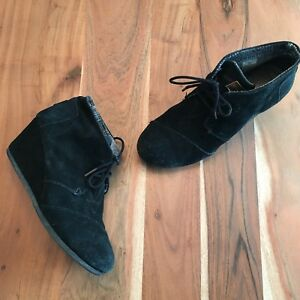 a48f9aa640f Image is loading Toms-Black-Suede-Desert-Wedge-Booties-Women-039-