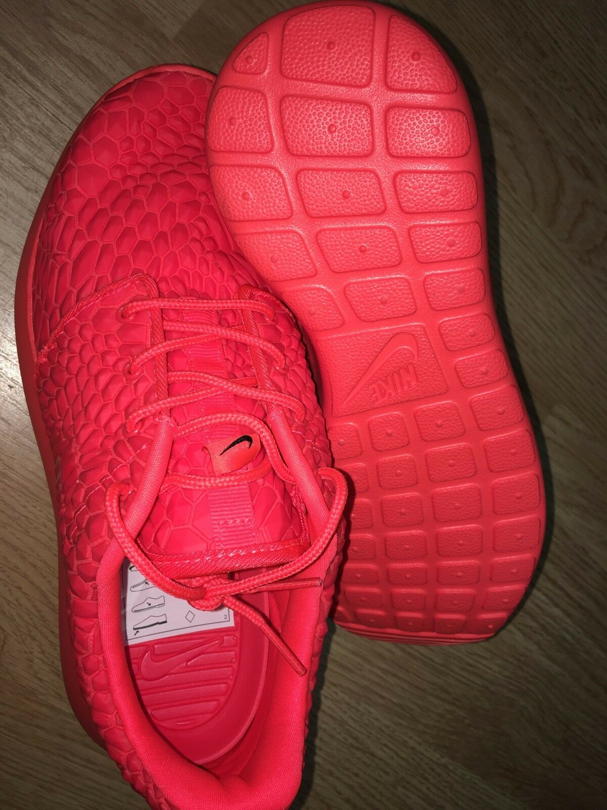 df3e1e5c9db2 ... Nike Roshe Roshe Roshe One DMB Bright Crimson Diamondback LTD 807460-600  Red Rare 480fb7 ...