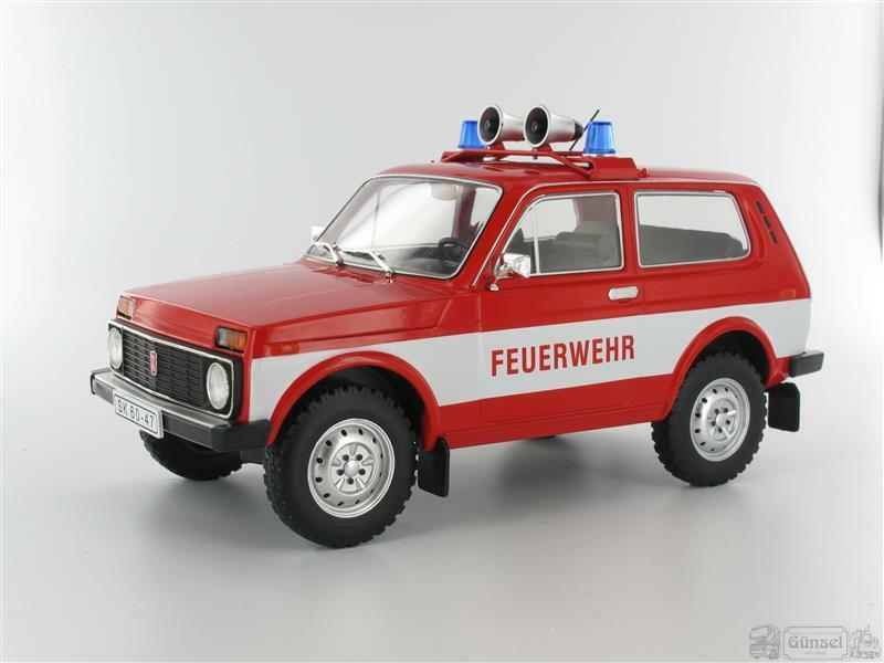 Model Car Group MCG18006 Lada Niva, Feuerwehr, red,  ohne Vitrine, 1978  Masssta