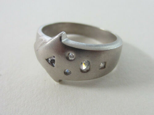 Matte Finish Sterling Silver Arrow Ring with White Crystal