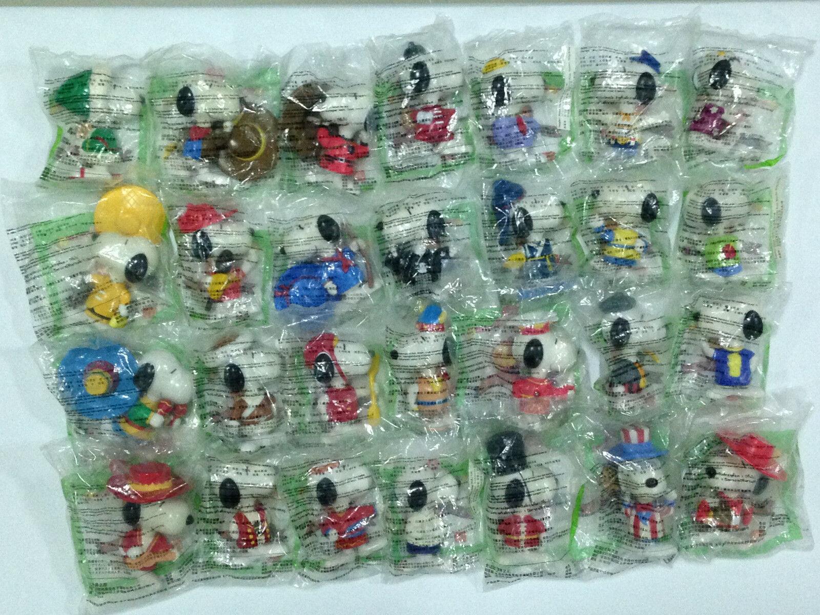 McDonald s lycklig Meal leksaker Snoopy värld Tour 1 Figures 1998 (28 bitar i set)