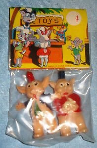 Vintage-1960-039-s-Hand-Painted-Toy-Plastic-Pigs-Original-Pack-Hong-Kong-NOS