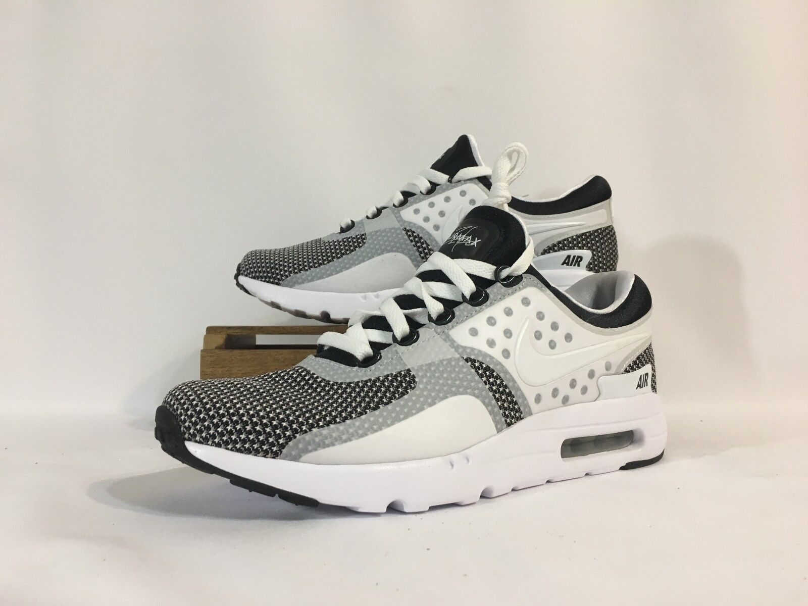 Nike air max zero essenziale scarpe bianco nero 876070-005 uomini e 10 nwob