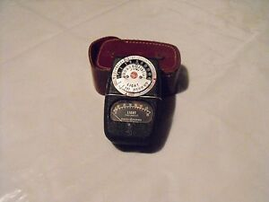 Light Meter GE Type DW68 Serial No H93126 with leather case and Instruction Book
