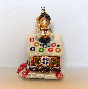 Joy-to-the-World-Gingerbread-House-Sweet-Tooth-Christmas-Ornament-Glass-Glitter