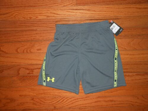 NWT Under Armour Little Boys pitch grey shorts Size 6 /& 7