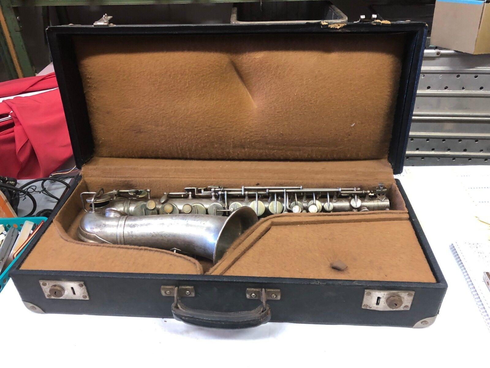 Antikes Saxophon mit Zubehör Koffer Geneve 1927 Lyrist 9 place du Combat