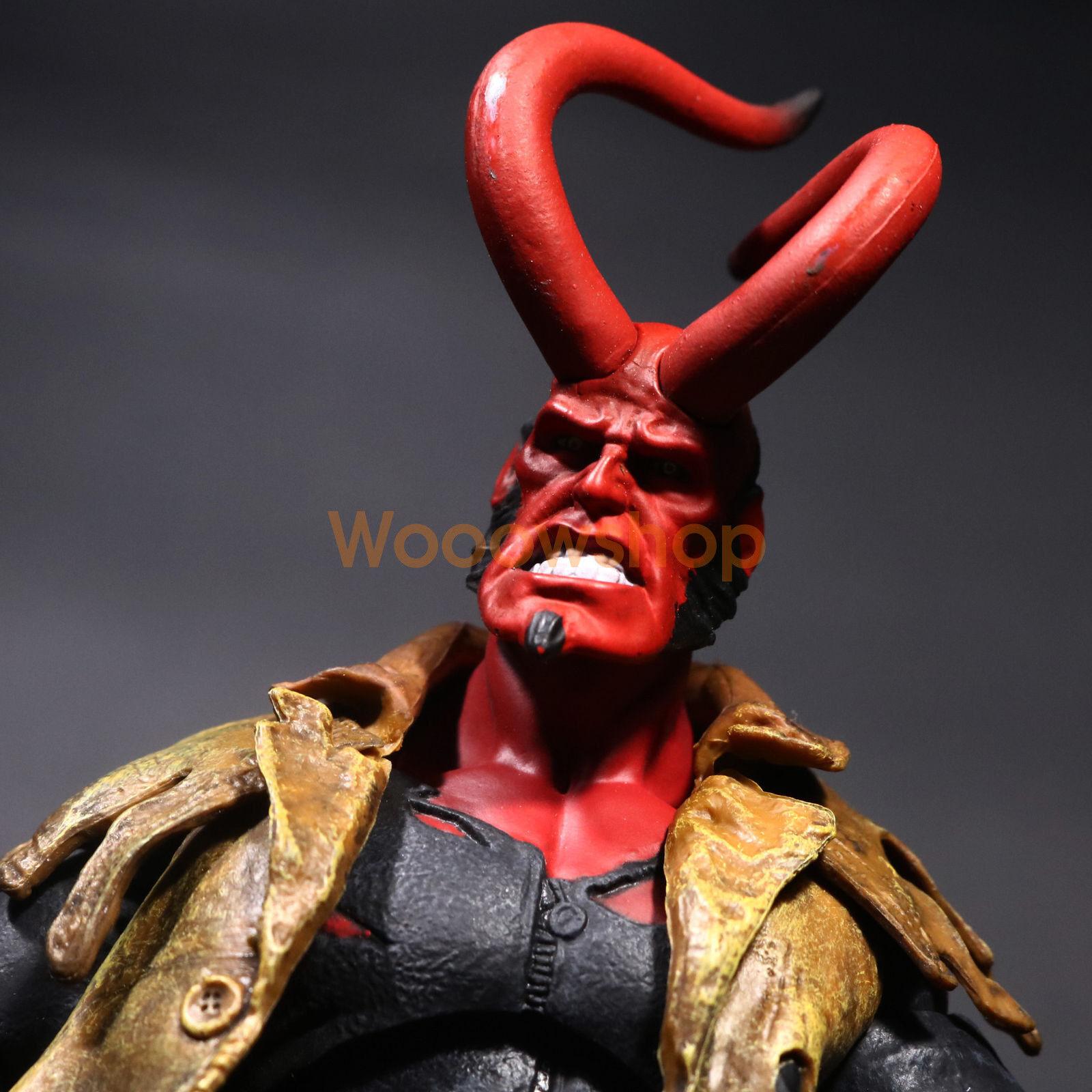 Hellboy Battle Damage Ver. Mezco HB 7  Action Figure Exclusive Collection No Box