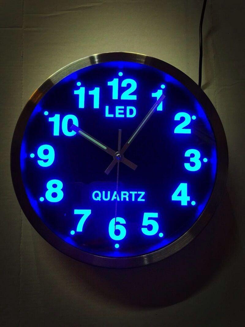 Wunderschöne blaue LED Uhr Analog rund Wanduhr Quarzuhr