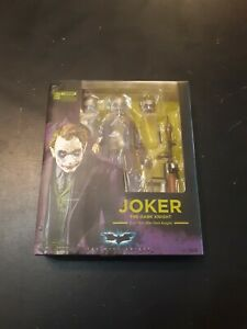 S.H.Figuarts Dark Knight Joker Heath Ledger Complete w/box Authentic Bandai
