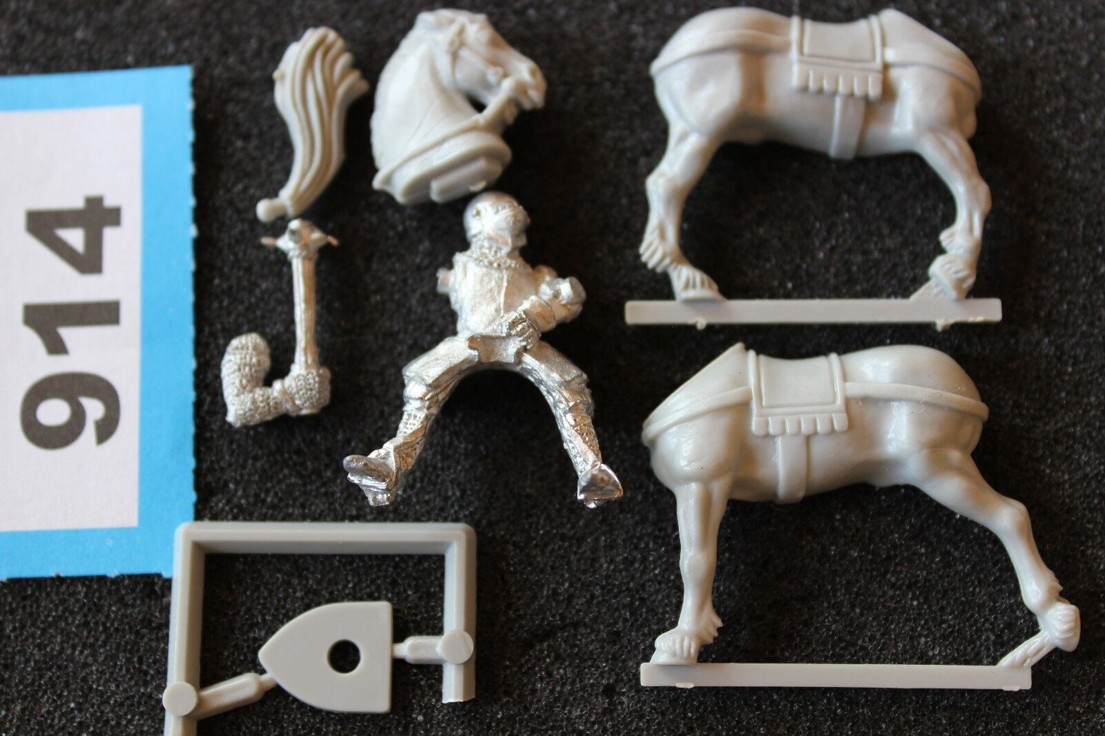 Games Workshop Warhammer Bretonnian Men at Arms Mounted Knight Metal OOP E5