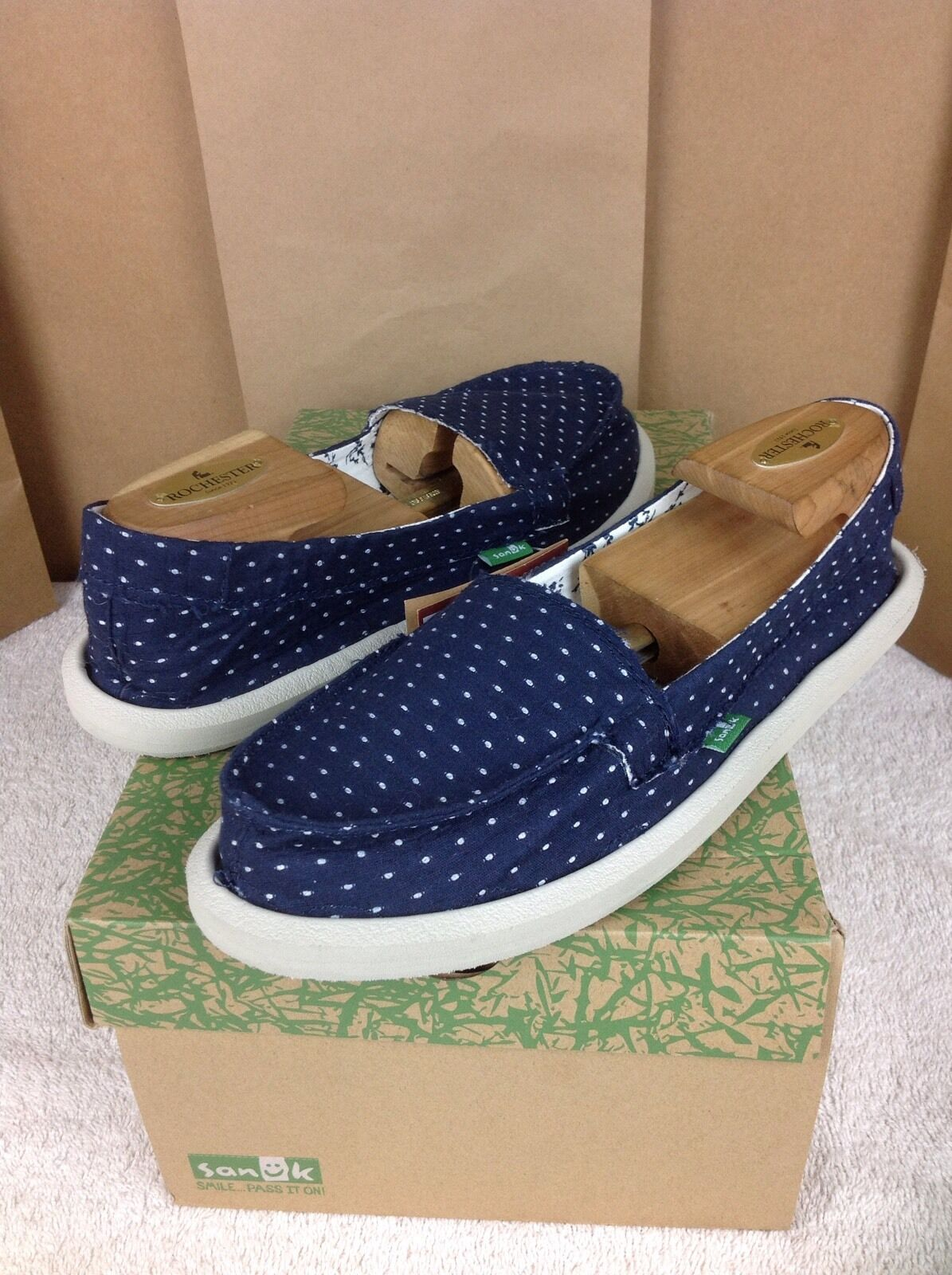 SANUK SHORTY DOTS NAVY COLOR SIDEWALK SURFER SHOES SIZE 5 US