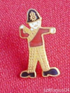 Official-Rupert-Bear-With-his-Big-Feet-Police-Enamel-Miniature-Pin-Badge