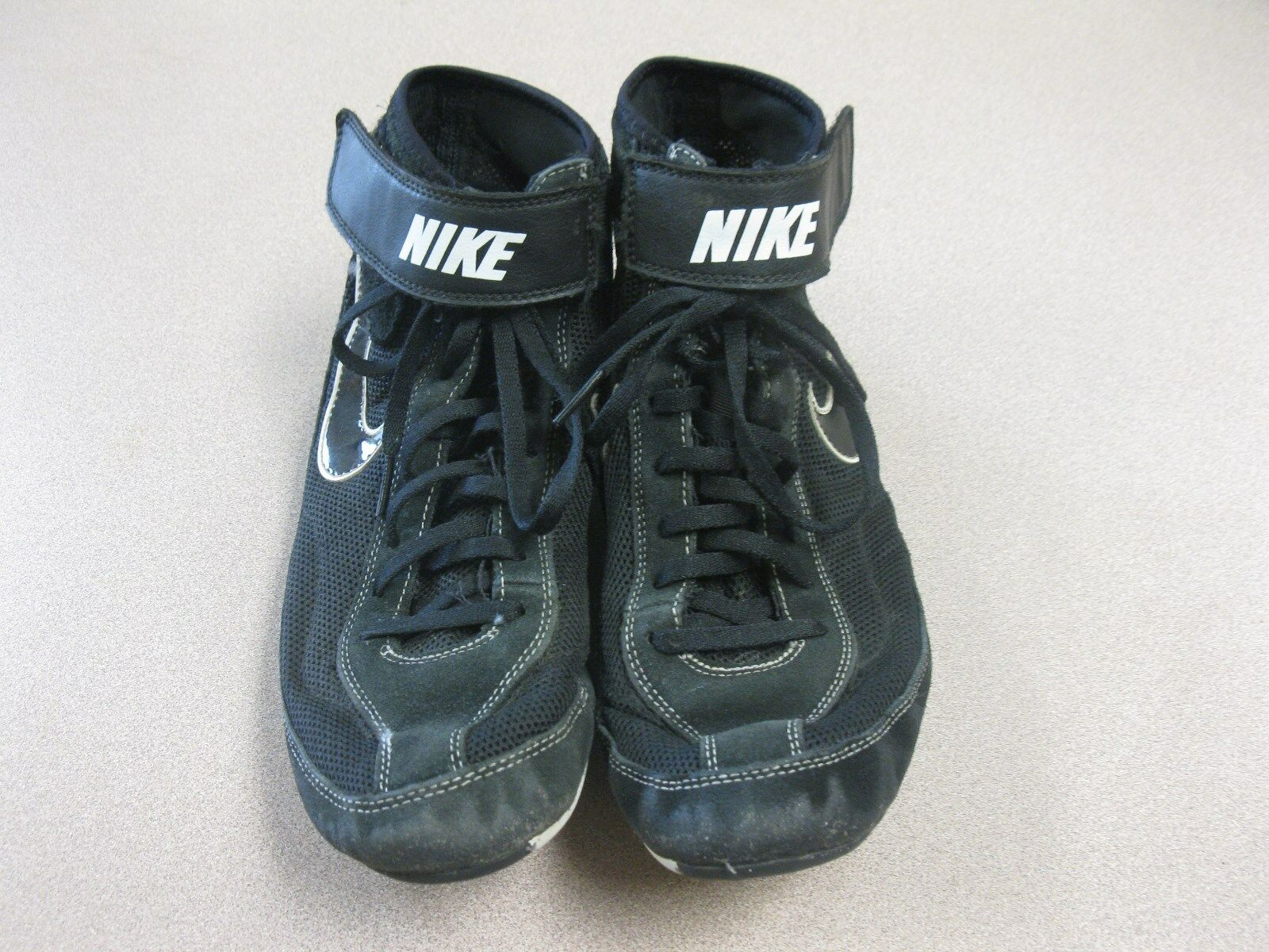 Nike  366683 001 Black White  Speed Sweep VII Wrestling Shoes size 10 best-selling model of the brand