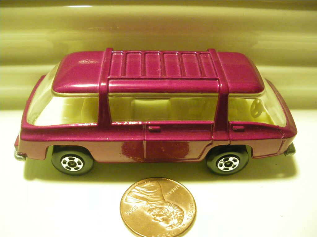 LESNEY MATCHBOX MB22 PURPLE FREEMAN COMMUTER No LABELS MINT No Box