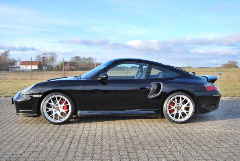 Porsche 911 Turbo Coupé - 3