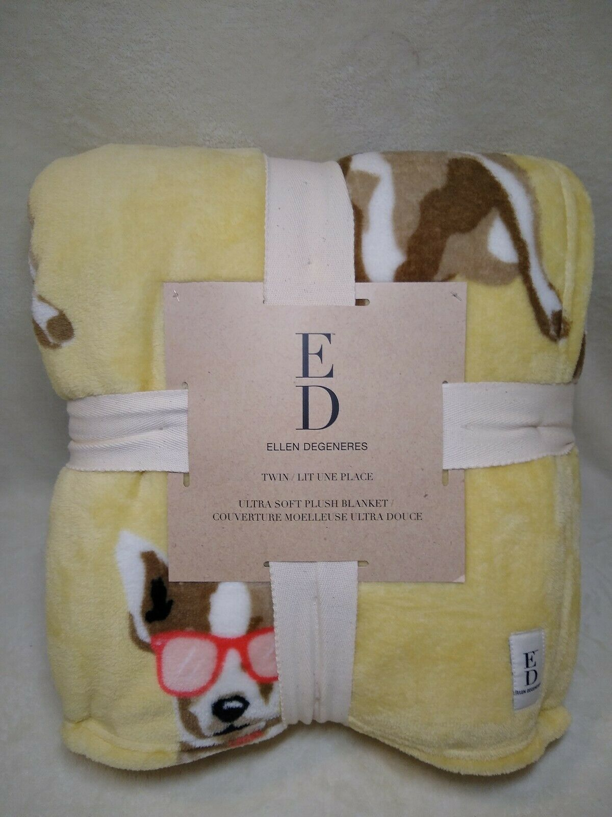 NEW ELLEN DEGENERES TWIN ULTRA SOFT BLANKET YELLOW WITH DOG 6090in