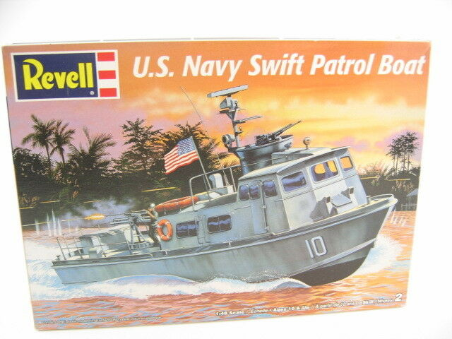 Revell 1/48 US Navy SWIFT PATROL BOAT  Vietnam Wa  Plastic Model Kit  #85-5031