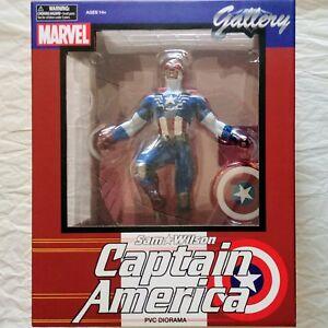 SAM-WILSON-Captain-America-Diorama-Statue-Marvel-Gallery-Diamond-Select-Figure