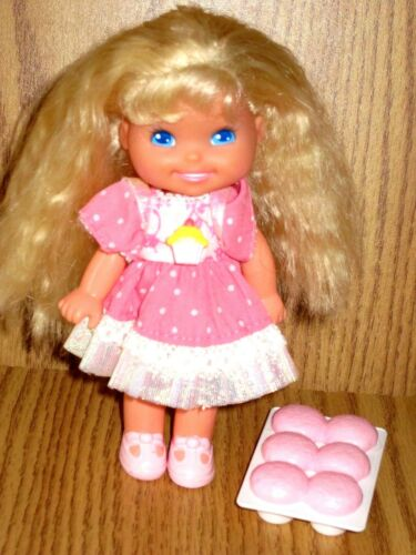 CHERRY MERRY MUFFIN DOLL 1989 MATTEL WORIGINAL DRESS & TRAY OF MUFFINS