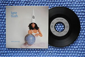 KATE-BUSH-SP-EMI-C008-64-452-1981-F