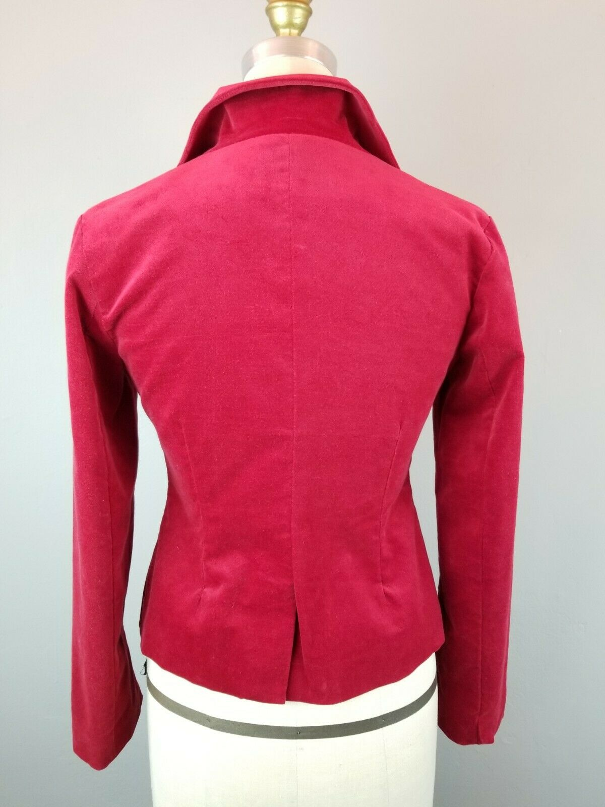 Red Velvet Fitted Blazer Womens Size Small  - image 5