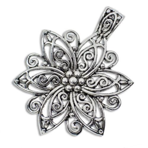 1,23€//1Stk 2 Anhänger Blume aus Metall 6,6x4,8cm Charm filigran silbern