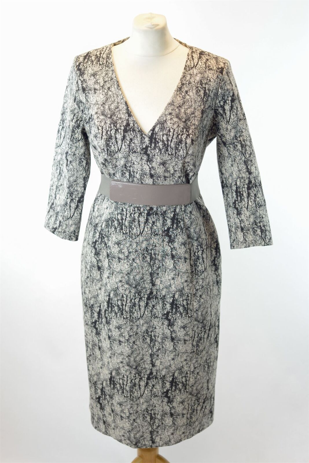 eeafbaa191cc3 CONNECTION Grey Print Dress Belt