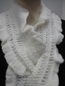 NEW-Ladies-Hand-Crocheted-Scarf-by-Stone-CREAM-Soft-Warm-Ideal-Gift