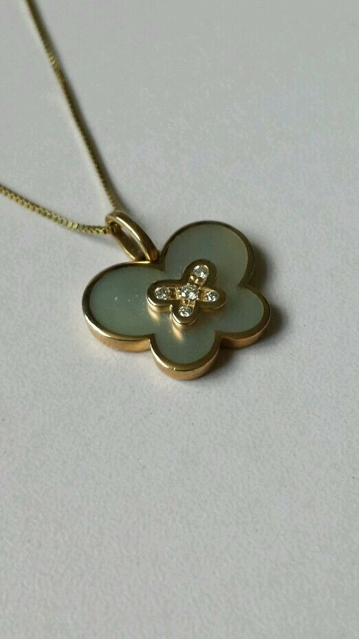 9ct Yellow gold, MOP & Diamond, Butterfly Pendant on Chain. Brand new in Box