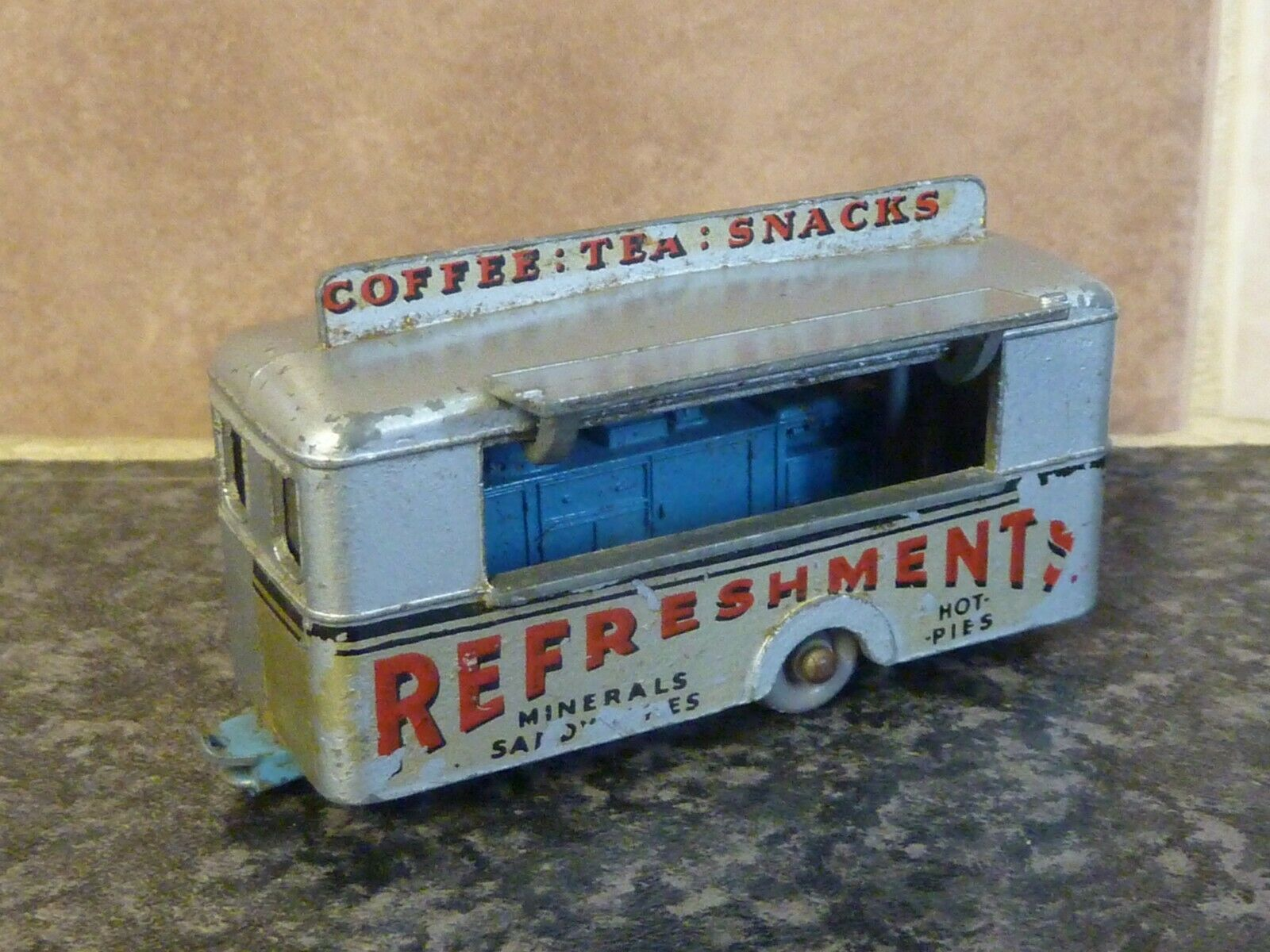VINTAGE MATCHBOX LESNEY No.74 MOBILE REFRESHMENTS CANTEEN VGC FOR AGE