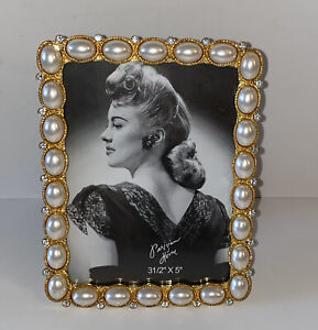New-FreeStanding-Photo-Frame-3-5-X-5-Elegant-Gold-Covers-With-Pearls-amp-Stones