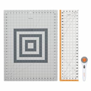 Fiskars Craft Starter Set, 3-piece, Rotary Cutter, A2 Cutting Mat and Ruler