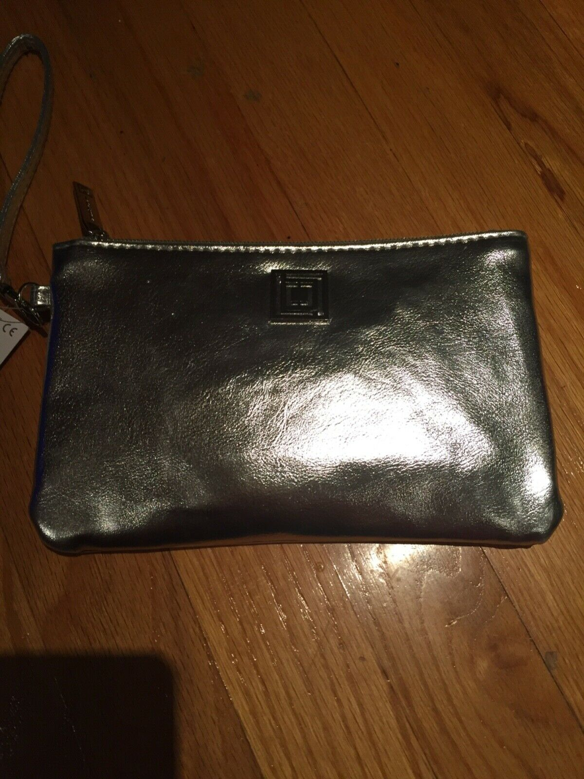Liz Claiborne Phone Charging Wristlet with RFID data protection, Silver New