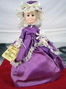 Effanbee-Women-Of-Ages-3371-Martha-Washington-Porcelain-Doll