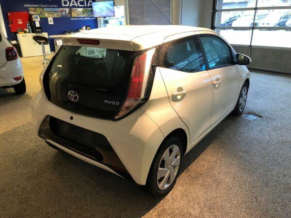 Toyota Aygo 1,0 VVT-i x-play Touch - billede 2