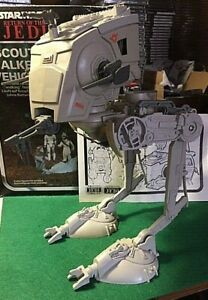 STAR-WARS-VINTAGE-SCOUT-WALKER-VEHICLE-MADE-IN-SPAIN-WITH-BOX-AND-BOOKLET