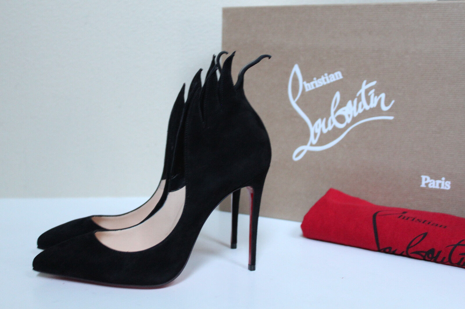 Sz 5.5   36 Christian Louboutin Victorina Black Suede Pointed Toe Fire Heel shoes