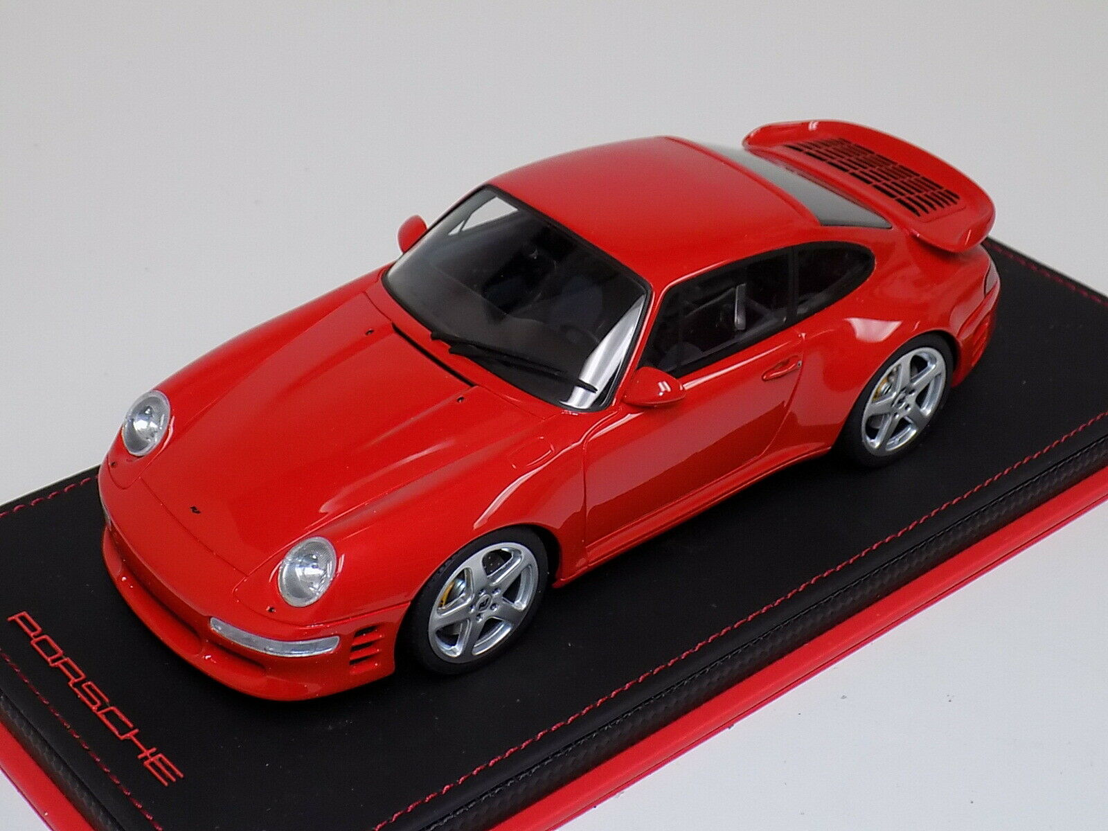 1 18 GT Spirit Porsche 911 (') 993) Turbo R Coupe 1998 i röd ZM10