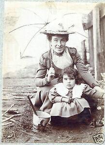 Photo Ancienne . Fillette Avec Un Seau De Plage Ancien . 1903 9yosb0nr-07183642-725990877