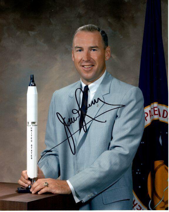 s l1600 - JAMES JIM LOVELL Signed NASA ASTRONAUT Photo w/ Hologram COA