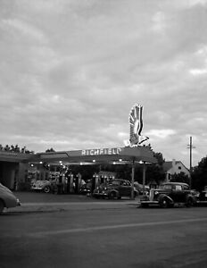 1942-Gas-Station-Redding-CA-Vintage-Photograph-8-5-034-x-11-034-Reprint